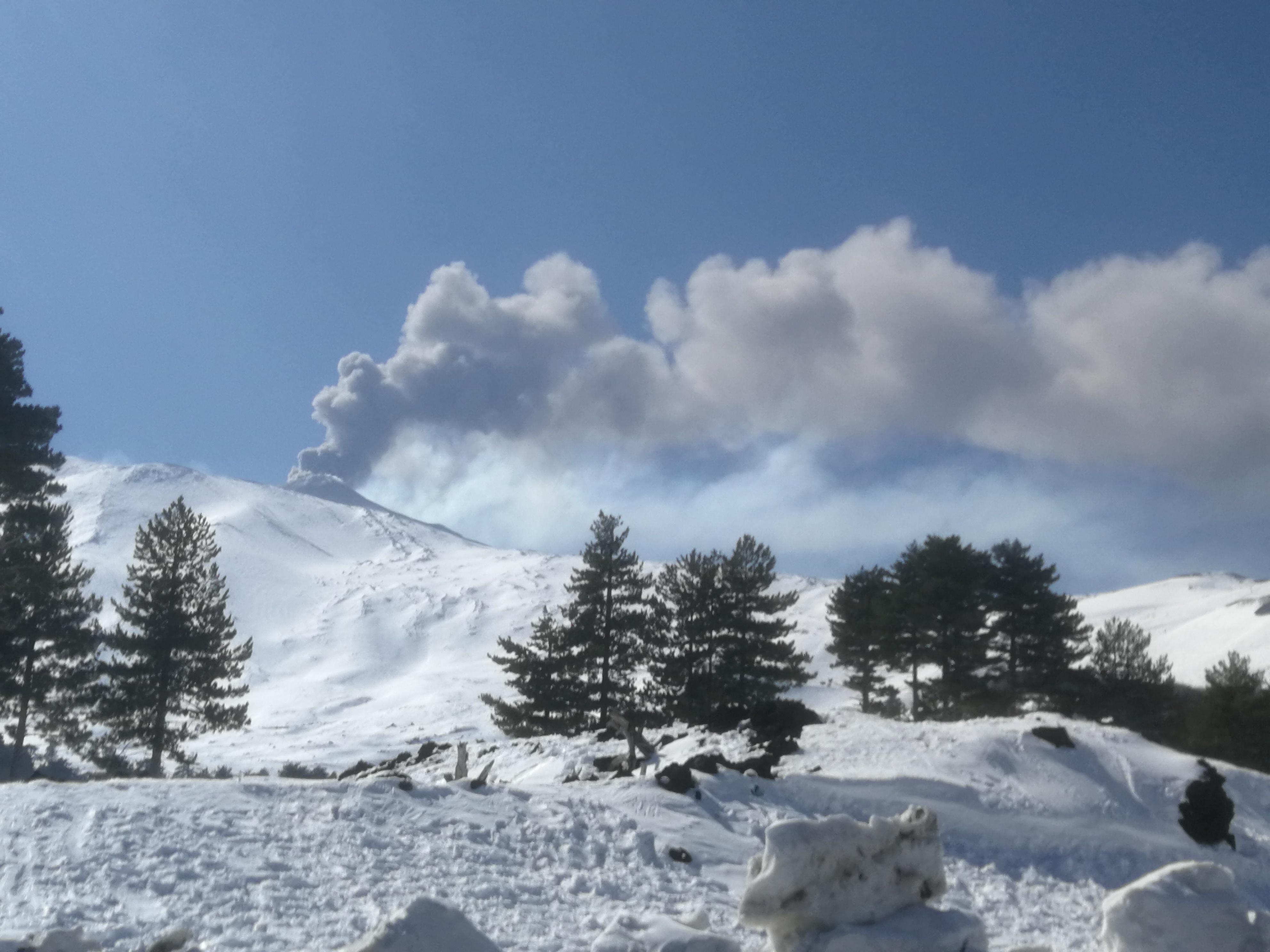 Neige sur le volcan Etna